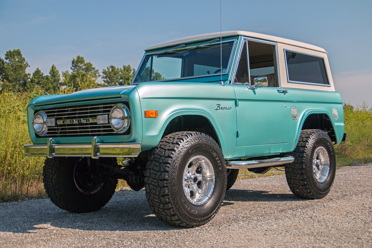 Ford Bronco Carpet Custom 66 96 Replacement 1980 Blue 1977 With Teal Metallic Exterior And Tan Interior